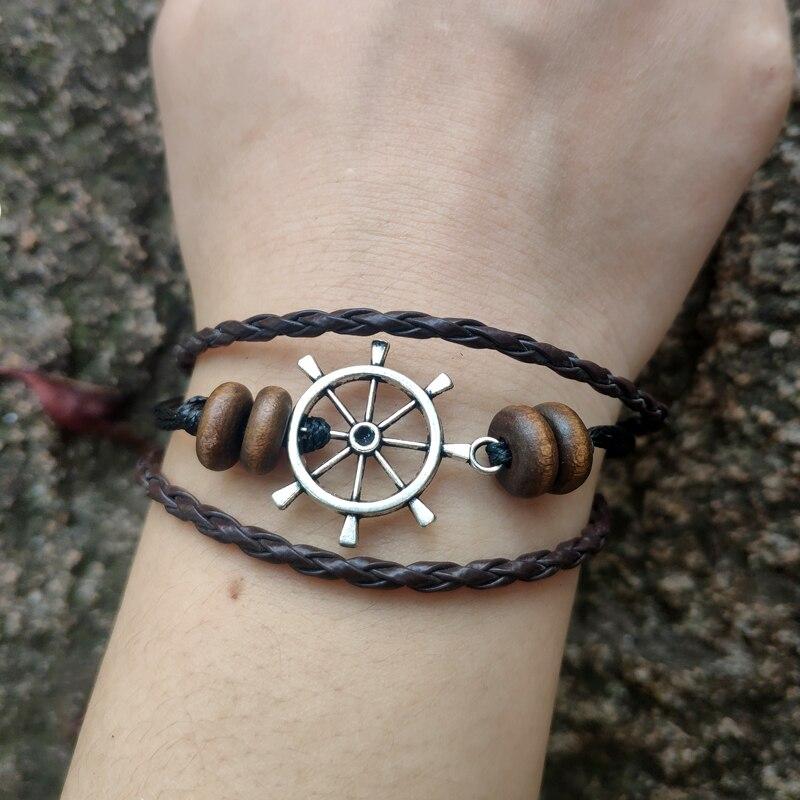 Bracelet en cuir tissé à la main 50pc Bracelet de perles en bois de volant de bateau Bracelet de corde tressée en cuir multicouche pour les femmes