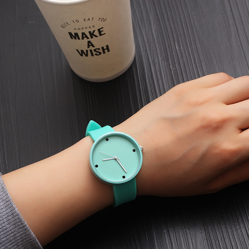 Quartz Watch Females Fashion Casual Wristwatch Women Korean Style Cute Ladies Watch Leather Strap Clock Gift Montre Femme 2020