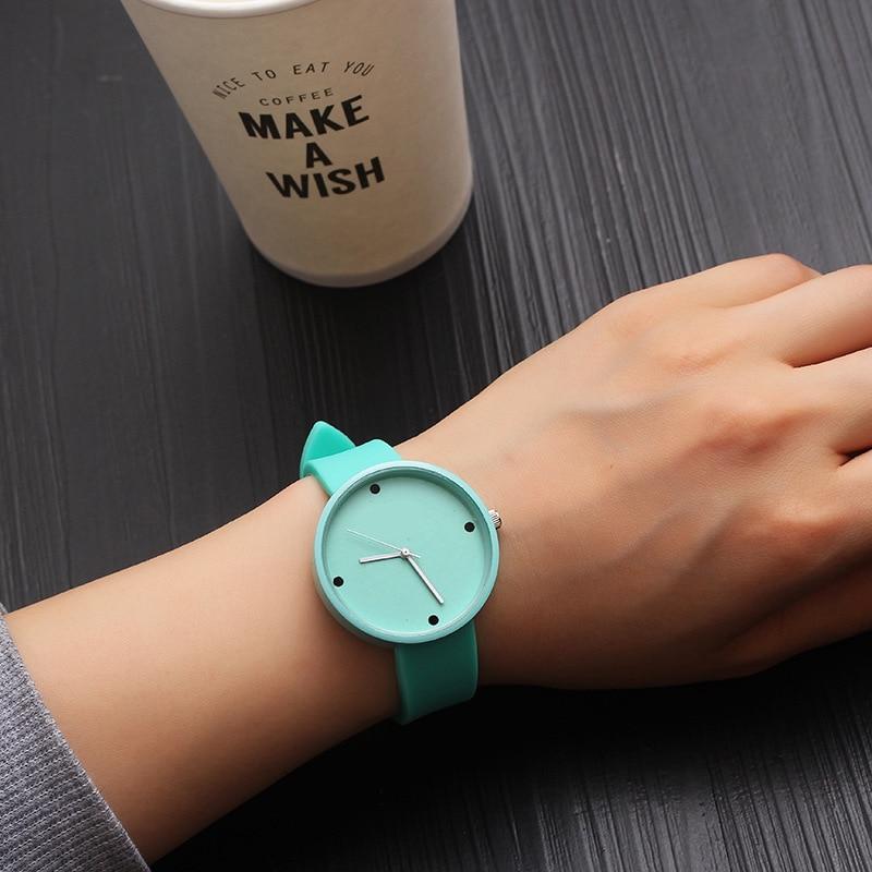 Quartz Watch Females Fashion Casual Wristwatch Women Korean Style Cute Ladies Watch Leather Strap Clock Gift Montre Femme 2020