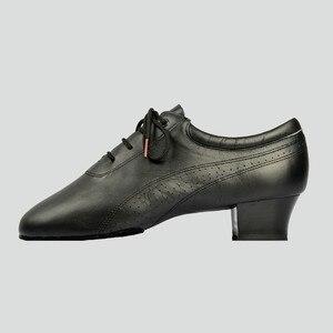 Image 2 - Venda quente dos homens sapatos de dança latina 424 divisão outsole couro macio profissional sapato dança de salão salto elástico sapato