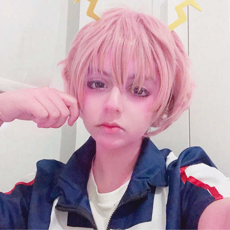 Anime peruk My Hero Academia Boku hiçbir Hiro Ashido Mina Cosplay peruk isıya dayanıklı sentetik pembe kısa peruk cadılar bayramı kostüm peruk