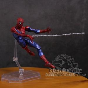 Image 5 - Revoltech 시리즈 NO.002 스파이더 맨/NO.004 Gwen Stacy Spider Gwen PVC 액션 피규어 소장 모델 장난감 15cm