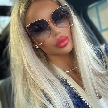 QPeClou 2020 New Luxury Pearl Sunglasses Women Fashion Oversized Metal Hollow Sun Glasses Ladies Clear Glasses Frame Spectacles 2016 new luxury fashion glasses women brand design big frame clear lens outdoor glasses women ladies with glasses box hot sale