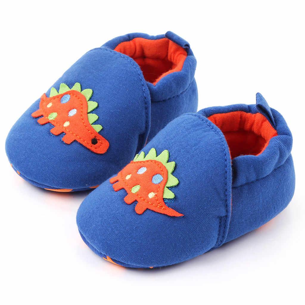 Lindo zapatos para bebé de dibujos animados Bebé Zapatos de niñas 2019 bebé niño dinosaurio Niño Zapatos recién nacido invierno cálido en primer lugar los caminantes детская обувь