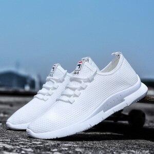 Image 1 - 2019 ใหม่Breathable Breathableตาข่ายชายรองเท้าสบายๆ 2019 ใหม่ฤดูร้อนรองเท้าผู้ชายสีขาวชายรองเท้าผ้าใบลูกไม้ขึ้นรองเท้า