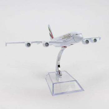 16 Centimetri 1:400 A380 Emirates Airlines Aereo Modello In Metallo Della Lega Modello Di Simulazione Aereo Passeggeri Modello Decor Aereo Regalo Di Compleanno