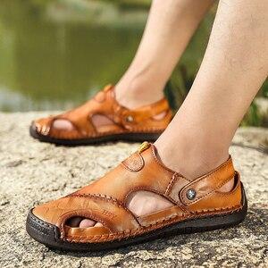 Image 5 - חדש גברים עור סנדלי קיץ זכר נעלי חוף סנדלי איש אופנה נוח חיצוני מקרית סניקרס קלאסי גברים נעלי Size48