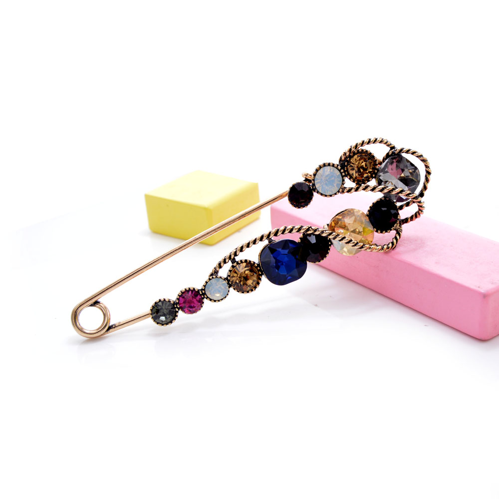 CINDY XIANG Rhinestone Large Pin Brooches For Women Vintgae Sweater Pin Fashion Design Wedding Brooch High Quality New 2021 4