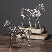 [TML] Creative Hollow Electroplate Horse Sculpture Bookshelf Desk Ornaments Livingroom Resin Home Decorations Collection Crafts