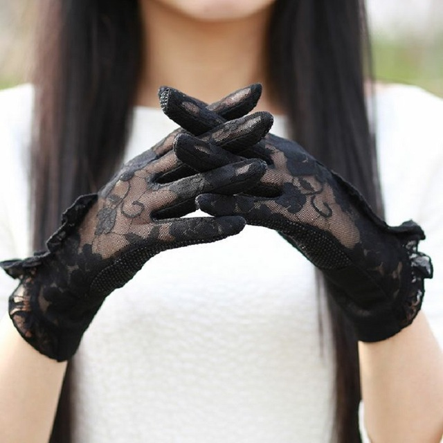 Fashion Sexy Lace Touch Screen Gloves Summer Sunscreen Ladies Anti-UV Driving Anti-Skid Cycling Lace Lotus Leaf Gloves 4