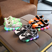 2020 high quality Lovely cute baby shoes hot sales LED light