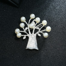 European And American Popular Fashion Simple Brooch Atmosphere Imitation Pearls Life Tree Alloy
