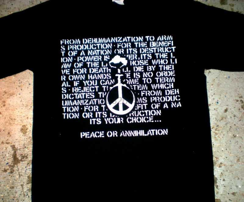 Crucifix-paix ou T-shirt (punk oi kbd décharge crass négatif mineur 1984)