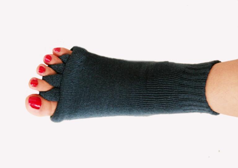 1Pair-Five-Toe-Socks-Orthotics-Separators-For-Toes-Bunion-Corrector-Orthopedic-Hallux-Valgus-Posture-Correction-Ectropion (2)