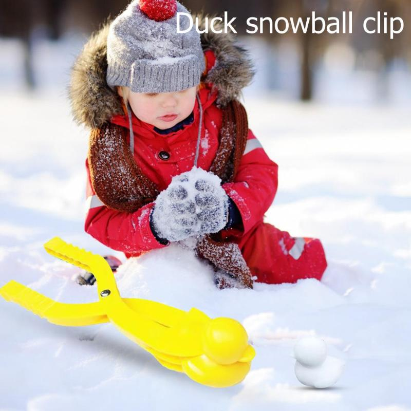 Cartoon Duck Shape Snowball Clip Superior Quality Children Outdoor Sports Skillful Manufacture Snow Maker Scoop Random