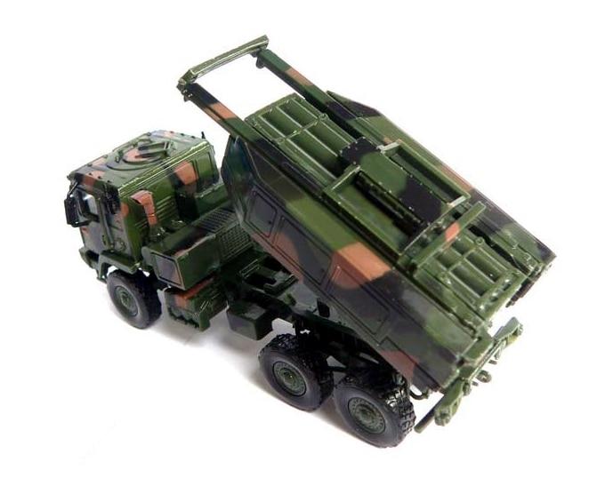 Carrinhos de brinquedo e de metal