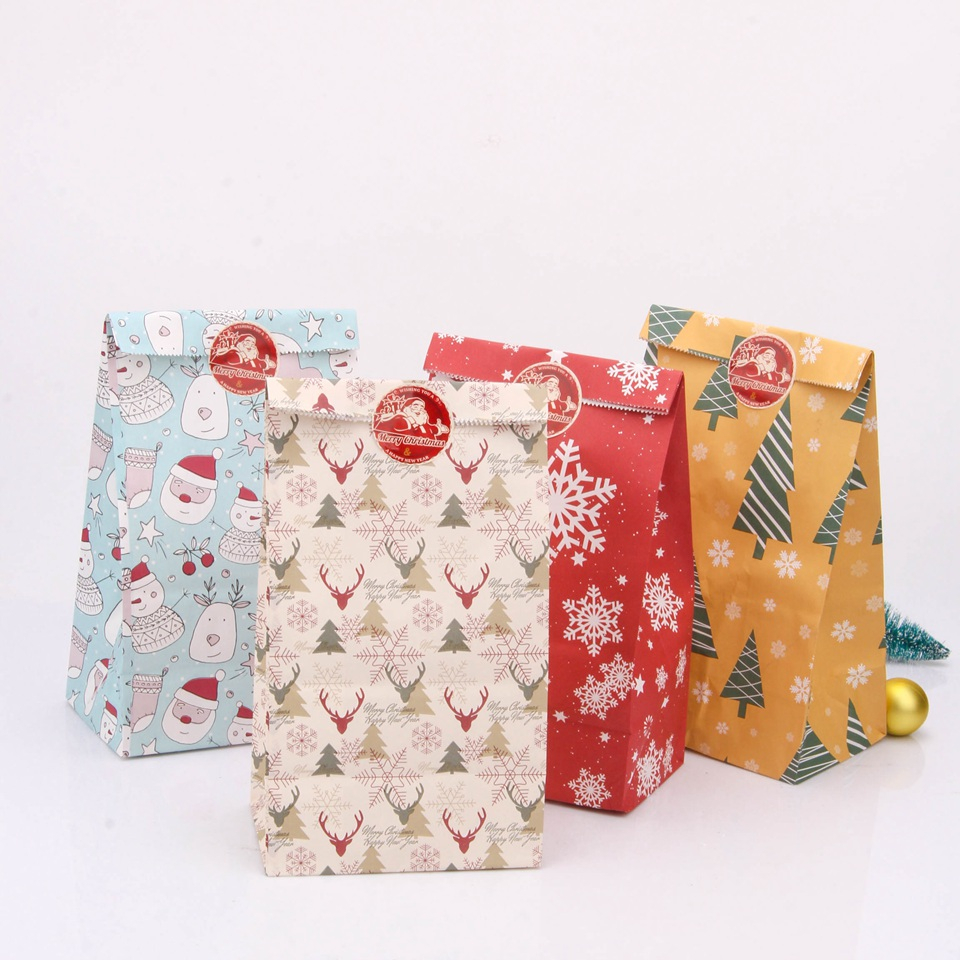 4PCS Snowflakes Candy Gift Bags With Stickers Mix Types Deer Merry Christmas Guests Packaging Boxes Christmas Party Gift Decor
