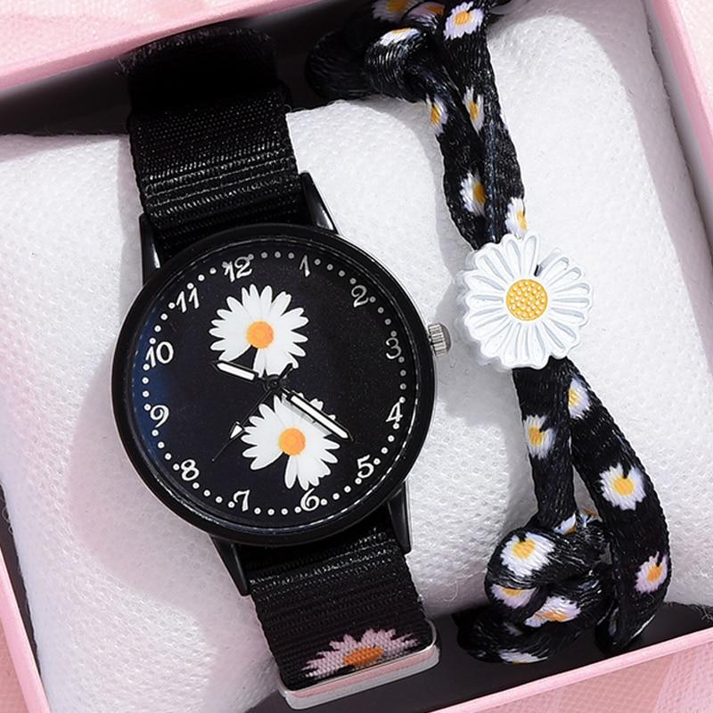 Girl Luxury Watch Women New Fashion Embossed Flowers Small Fresh Printed Belt Dial Watch Female Student Quartz Watch Relogio