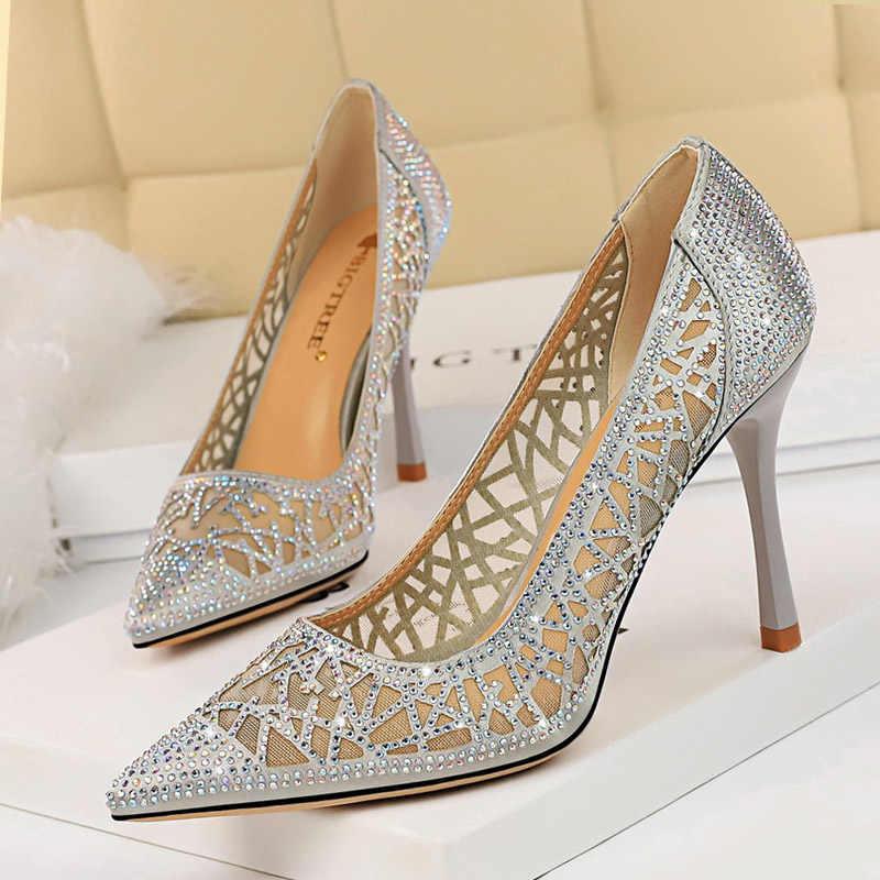 Kadın pompaları kadın ayakkabı Hollow kristal seksi yüksek topuklu ayakkabılar düğün ayakkabı bayanlar kadınlar topuklu klasik pompaları kadın ayakkabı Stiletto