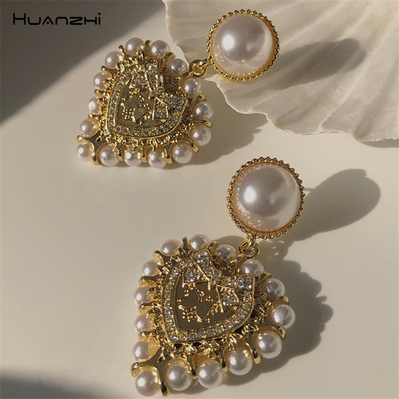 HUANZHI 2020 Vintage Baroque Pearl Big Love Heart Drop Earrings Gold Color Metal Geometric For Women Girls Party Travel Jewelry