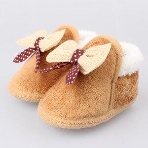 Зимняя теплая мягкая детская обувь с бантиком для кроватки; Обувь из хлопка; Утолщенная теплая обувь с мягкой подошвой для первых прогулок; Обувь для малышей 0-18 месяцев