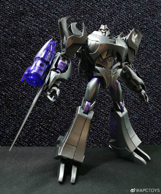 Transformers Toys TFP Leadership Certificate V Megatron 20cm Model Figure Children's Birthday Gifts Collection Model 1