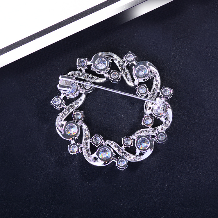Bad Gug Shiny Rhinestone Flower Brooches for Women Round Brooch Pin Vintage Fashion Jewelry Winter Accessories Zircon Brooche-4