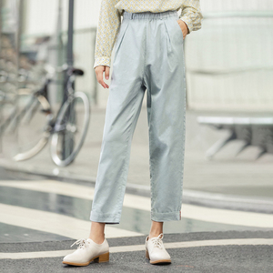Image 3 - INMAN 2020 Spring New Arrival Minimalist Loose Cotton Solid Color Flower High Waist Fitting Fashion Cropped Causal Pants