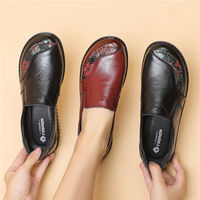 2021 Spring Luxury Women Flat Elderly Shoes Retro Vintage Genuine Leather Loafers Black Women's Shoes Moccasins With Fur Loafers 1