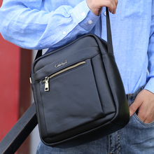 Genuine Leather Messenger Bag Men black Shoulder bag Leather Crossbody Bags For Men Luxury crossbody bag zipper Pocket