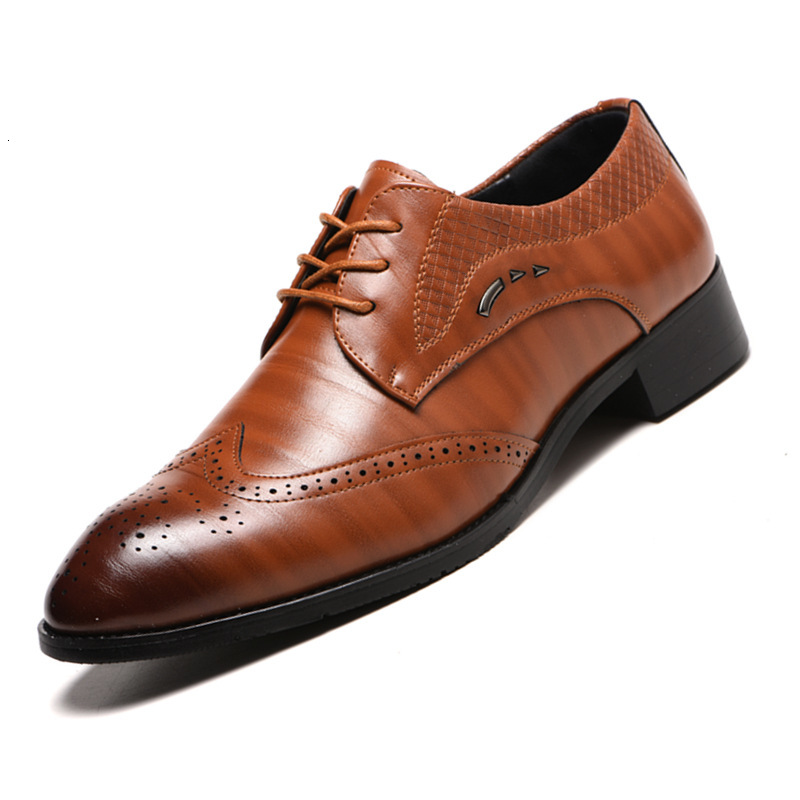 New Arrival Retro Bullock Design Men Classic Business Formal Shoes Pointed Toe Leather Shoes Men Oxford Dress Shoes Size 38-48