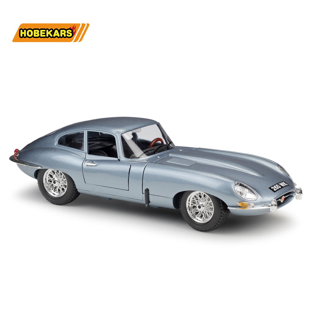 Bburago Diecast Model Jaguar E-Type Coupe 1:18 Metal Alloy High Simulation Cars With Base Boys Toys Gifts For Boy Men