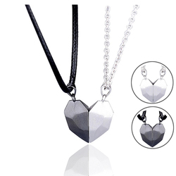 2Pcs Magnetic Couple Necklace Lovers Heart Pendant Distance Faceted Charm Necklace Women Valentine's Day Gift 2021