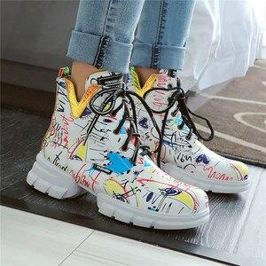 Image 5 - FEDONAS الكلاسيكية البروغ حذاء أيرلندي أحذية طويلة النادي الليلي الأحذية امرأة جلد طبيعي عالية الكعب النساء حذاء برقبة للركبة فاسق دراجة نارية الأحذية
