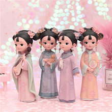 I'm a girl of court style in Ge series. Ornaments are gifts for girls