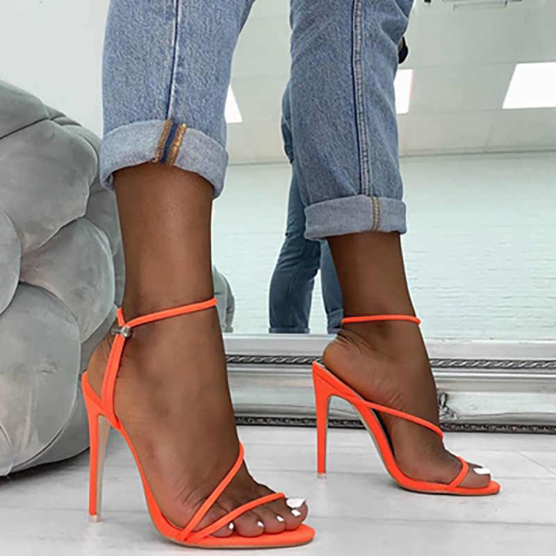 Летние женские босоножки на тонком каблуке; Пикантная женская обувь с ремешком на щиколотке; Модная женская однотонная обувь с открытым носком; Большие размеры