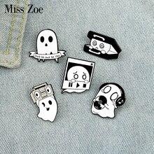 Bonito boo esmalte pinos caixa de música fantasma personalizado broche lapela emblema saco dos desenhos animados engraçado jóias presente para crianças amigos