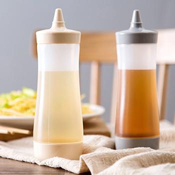 BBQ Ketchup Sauce dozownik butelki oliwa z oliwek butelka dozująca majonez wycisnąć słoik z czapką bezpieczne plastikowe białe narzędzia kuchenne tanie i dobre opinie Other CN (pochodzenie) Zioła i przyprawy narzędzia Ekologiczne Sauce Bottle