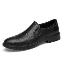 2020 Casual Leather Loafers Men Shoes Comfortable Lightweight Slip-On Soft Moccasins Flats Loafers Business Driving Shoes * new men s octopus leather penny loafers crocodile slip on driving shoes mens casual shoes moccasins business boat shoes branded