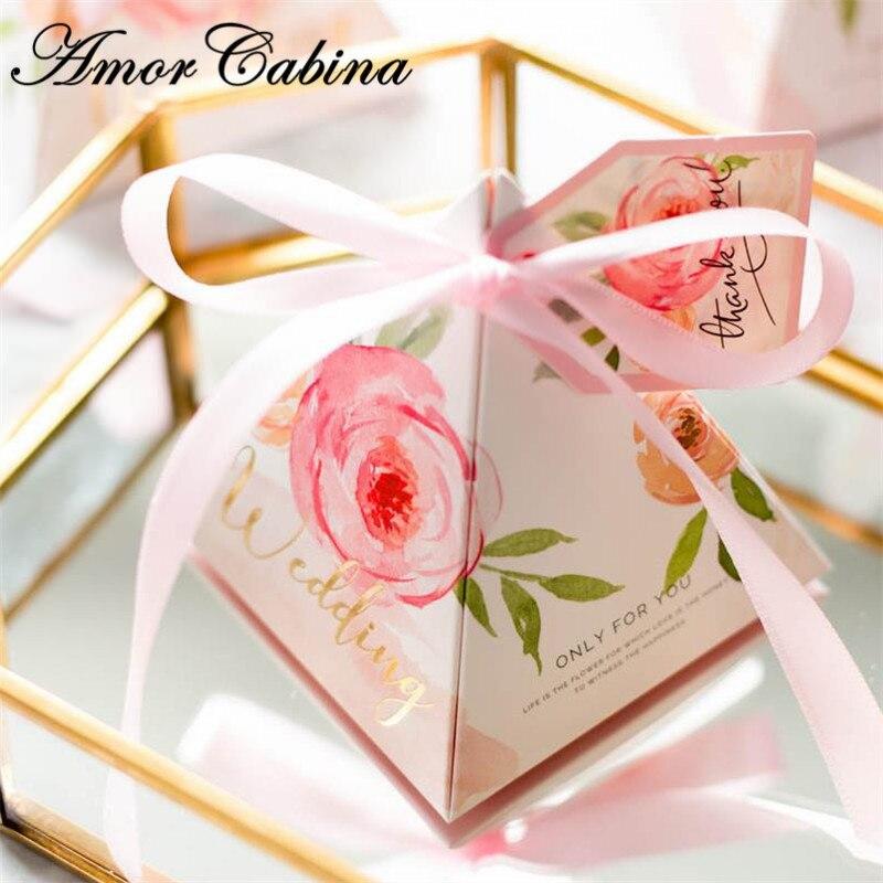 Haut de gamme fleur rose pyramide boîte à bonbons fournitures de mariage mariage romantique européen boîte-cadeau de mariage boîte de chocolat avec ruban + carte