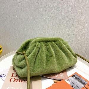 Image 1 - Sac pour femmes 2019 hiver nouveau en peluche Dumplings sac mode Simple épaule diagonale sac à main femme sacs solide couleur rétro Style
