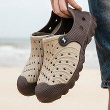 2020 Outdoor Men Sandals Crocks Summer Hole Shoes Crok Rubber Clogs Men EVA Garden Shoes Black Crocs