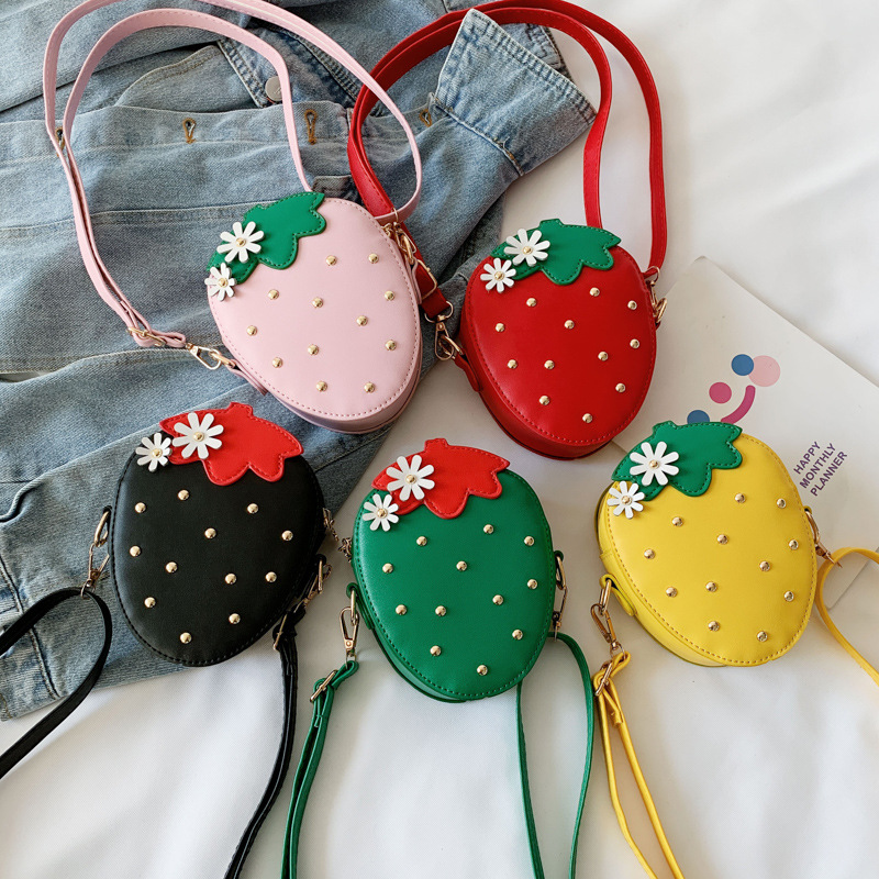Fashion PU Leather Girls Coin Purse Lovely Children Strawberry Rivet Crossbody Bags Cute Baby Accessories Mini Wallet Kids Gifts