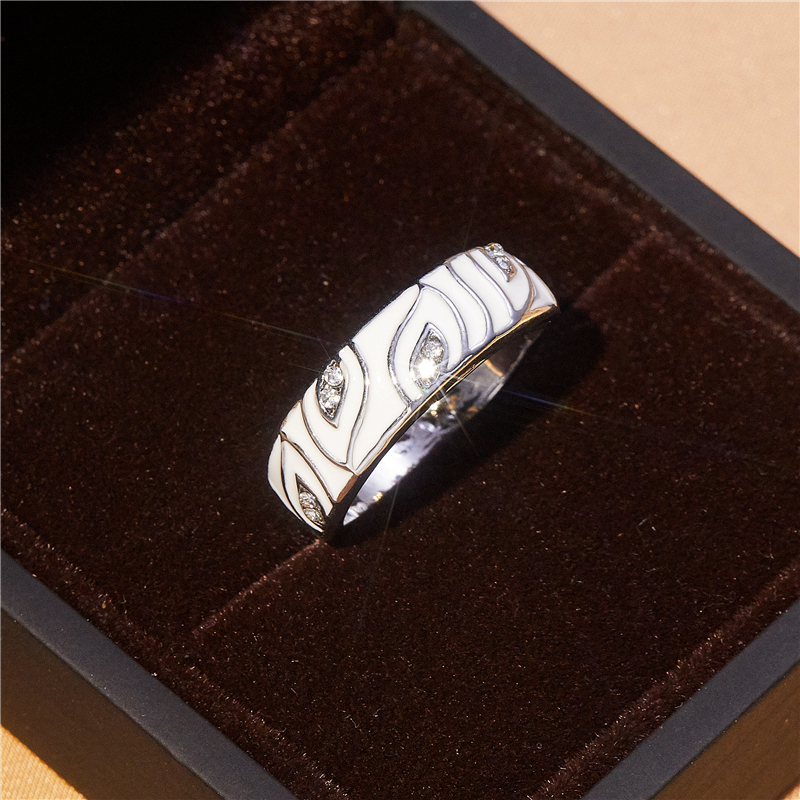Fashion exquisite sparkling white leaf zircon ring female elegant noble romantic banquet accessories high-end charm jewelry gift