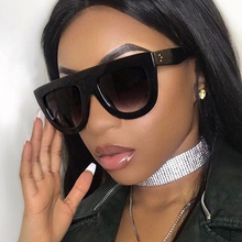 Hot 2019 Trendy Brand Designer Vintage Flat Top Sunglasses Women Rivet Shades Su