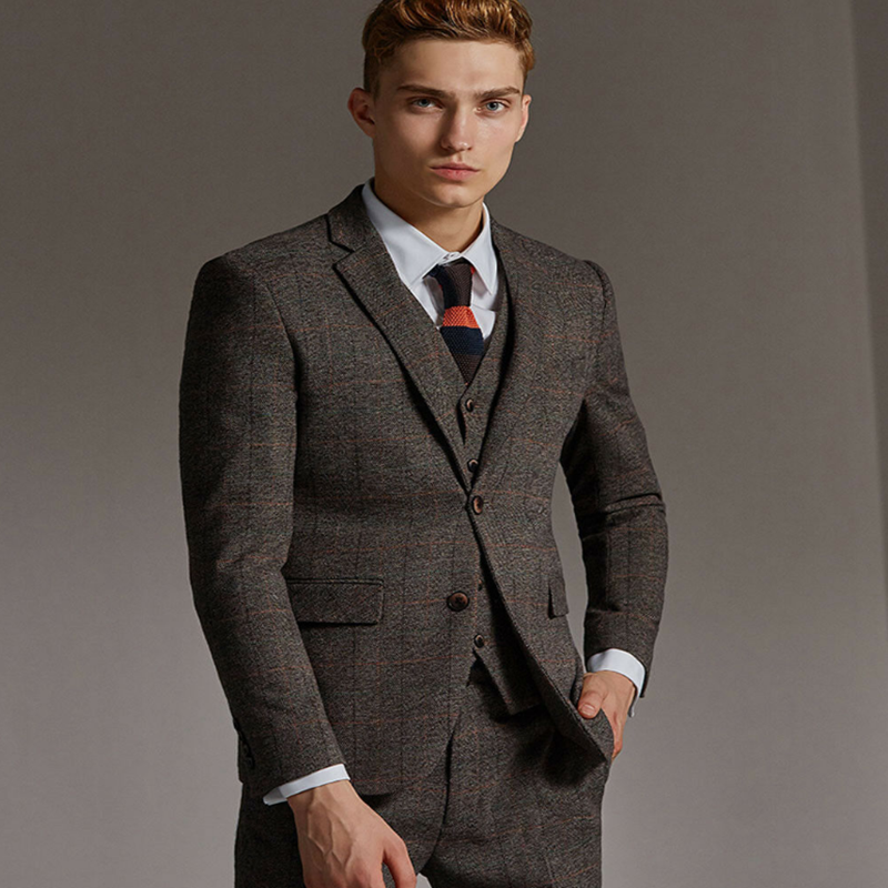 2020 Brown 3 Piece Mens Suits Tweed Wool Check Suits Regular Fit Notch Lapel One Button Groom Tuxedos