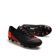 цена на New Men Boys Kids Turf Indoor Soccer Shoes Training Football Boots Soccer Cleats Sports Sneakers Eur Size 36-46