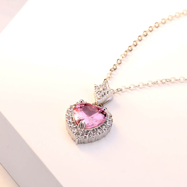 Simple Heart Shaped Pendant Necklace for Women  2