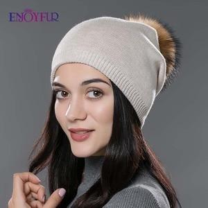 Image 2 - Kadın kış şapka yün örme kasketleri kap gerçek doğal tilki kürk ponpon şapkalar katı renkler gorros kap kadın rahat şapka