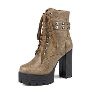 Image 4 - YMECHIC الخريف الشتاء الشرير القوطية روك الدانتيل يصل كتلة عالية الكعب منصة أحذية امرأة الأسود المسامير حزام حذاء من الجلد حجم كبير 43